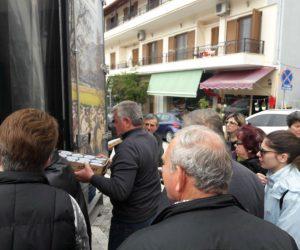 Θεσρωτία: Μοιράστηκε δωρεάν γιαούρτι στην Ηγουμενίτσα (+ΒΙΝΤΕΟ)