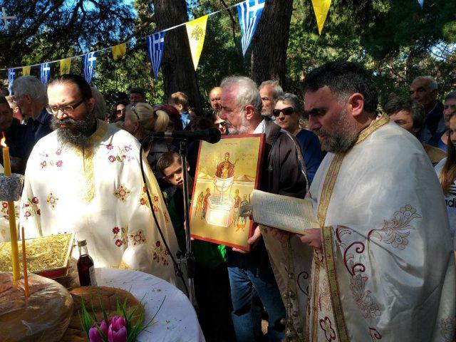 Ήγουμενίτσα: «Βούλιαξε» το Αγιονήσι για τον εορτασμό της Ζωοδόχου Πηγής (+ΦΩΤΟ)