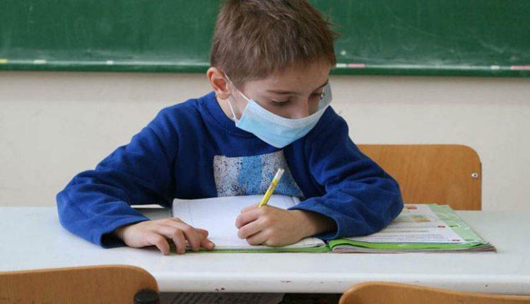 Θεσπρωτία: ΥΠΕΣ - 25.000 ευρώ στους 3 δήμους της Θεσπρωτίας για αγορά μασκών σε μαθητές και εκπαιδευτικούς (απόφαση)